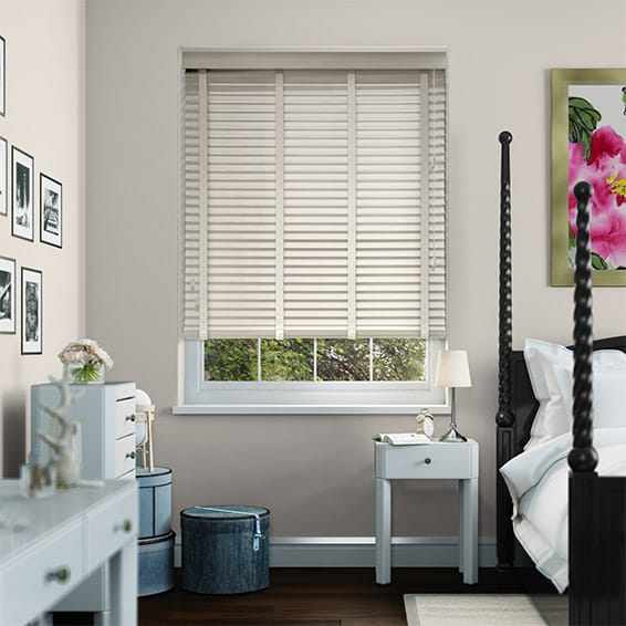 Ivory Lace & Vanilla Faux Wood Blind - 35mm Slat